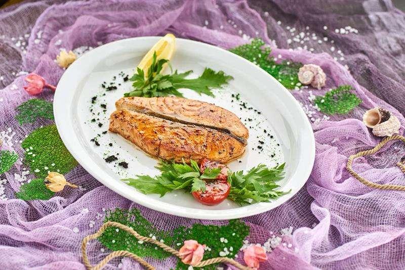 Закажите доставку из ресторана Стейка из Семги | Таверна Онейро