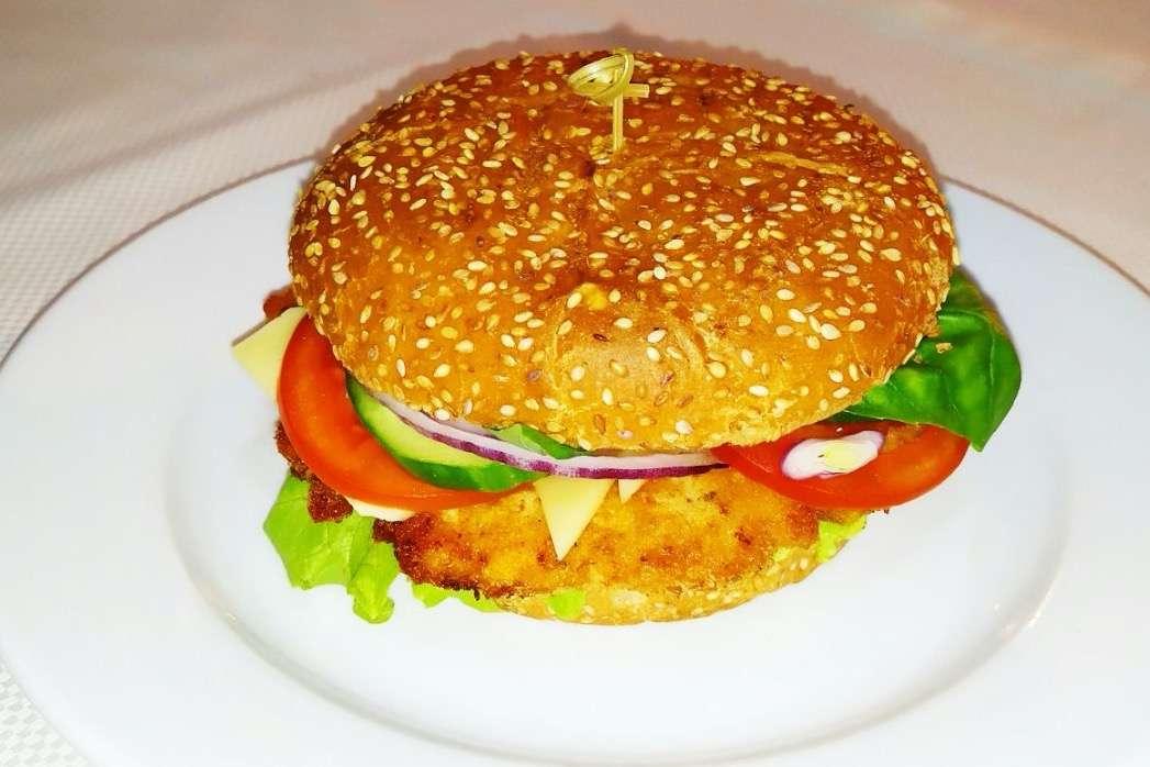 Закажите доставку Бургера с Курицей из ресторана | Таверна Онейро
