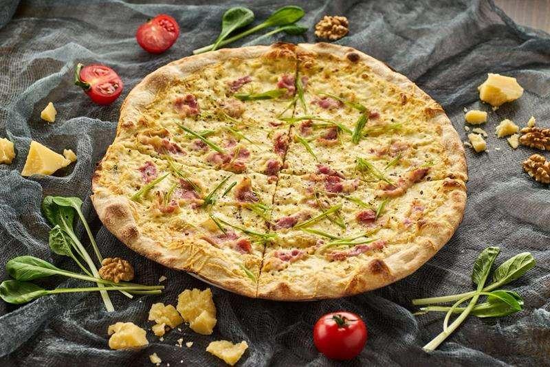 Закажите доставку в Алупке Пиццы Карбонара | Таверна Онейро