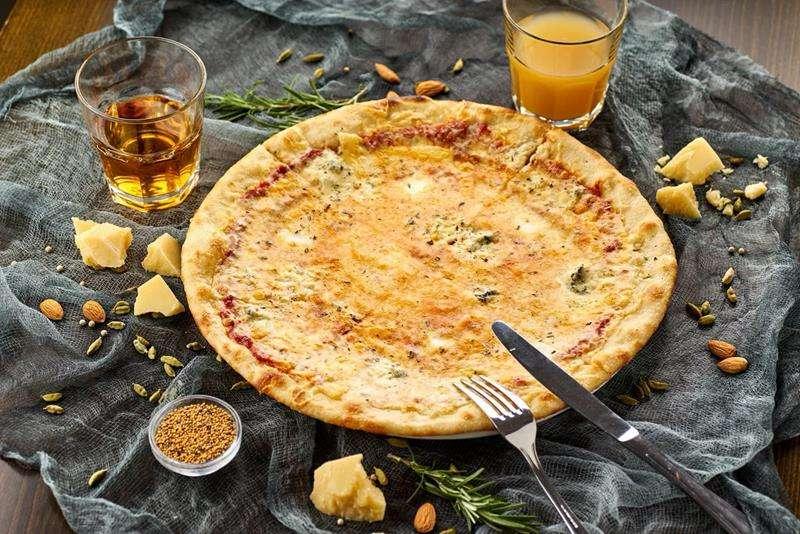 Закажите доставку в Алупке Пиццы Кватро Формаджи | Таверна Онейро